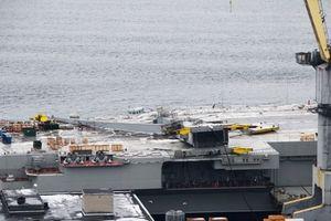 Nga không giấu diếm ảnh tàu sân bay duy nhất bị hư hại sau tai nạn bất ngờ