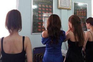 Nhiều trường đại học đã áp dụng quy định 'sinh viên bán dâm 4 lần bị đuổi học'