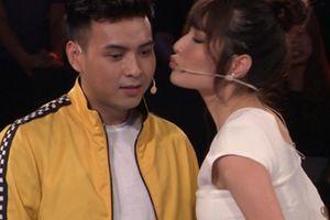 Diễm My 9x là người đẹp khiến Hồ Quang Hiếu xúc động khi hôn