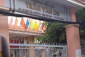 Một giáo tiểu học ở TP.HCM bắt học sinh tự tát 32 cái trước mặt bạn