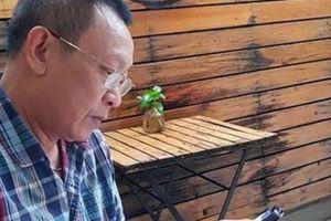Nhà báo Lại Văn Sâm tự nhận 'em út', hứa livestream trên facebook