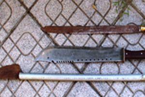 8 thanh, thiếu niên mang dao kiếm 'truy sát' 2 người nhập viện