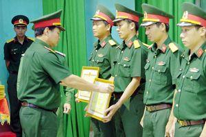 Trường Quân sự Quân khu 5: 'Vững lý thuyết, chắc thực hành, sát thực tế'