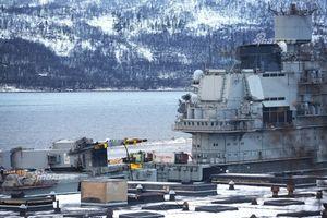 Bất ngờ tình trạng tàu sân bay Nga sau sự cố chìm dock nổi