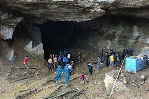 Hòa Bình: Hơn 100 người trắng đêm tìm kiếm 2 phu vàng bị mắc kẹt trong mỏ