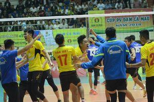 Cúp bóng chuyền PV - Đạm Cà Mau 2018: Đội nam Sanest Khánh Hòa đăng quang xứng đáng