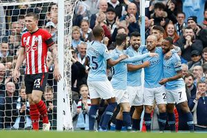 Sterling tỏa sáng, Man City 'đánh tennis' trước Southampton
