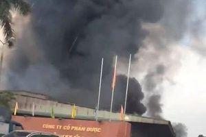 Cháy lớn nhà xưởng công ty dược ở Hưng Yên, thiêu rụi nhiều tài sản