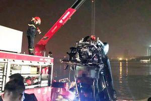 Phát hiện tình tiết mới vụ Mercedes rơi xuống sông Hồng