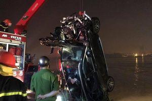 Xác định danh tính nạn nhân thứ 2 vụ xe Mercedes rơi khỏi cầu Chương Dương