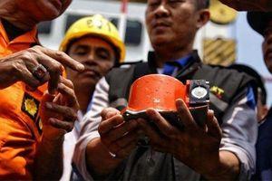 Vụ rơi máy bay ở Indonesia: Đã khôi phục được 69 giờ dữ liệu từ hộp đen