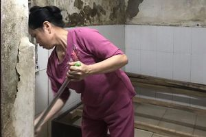 Cuộc sống khốn khổ của 'xóm hỏa hoạn' gần bệnh viện Nhi