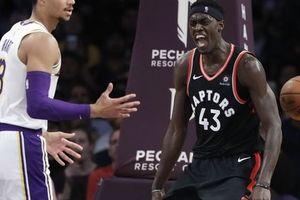 Los Angeles Lakers chìm trong khủng hoảng, thua dễ dàng trước Toronto Raptors