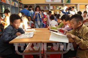 Đưa 'Tủ sách Đinh Hữu Dư'' đến với miền núi Bát Xát, Lào Cai