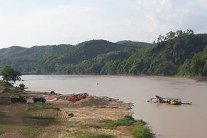 Anh Sơn (Nghệ An): 'Cát tặc' vẫn đại náo sông Lam