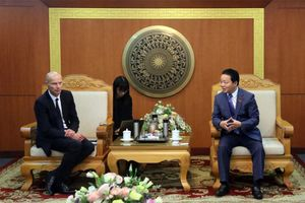 Bộ trưởng Trần Hồng Hà tiếp và làm việc với Đặc sứ về nước của Hà Lan