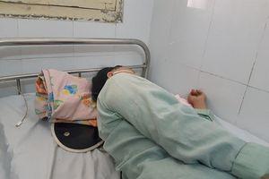 Người phụ nữ 59 tuổi bị hóc xương vào thực quản khi ăn đầu gà