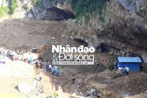 Hòa Bình: Sập lò vàng, 2 người mắc kẹt dưới hang sâu
