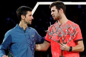 Djokovic thua tay vợt trẻ Khachanov ở chung kết Paris Masters