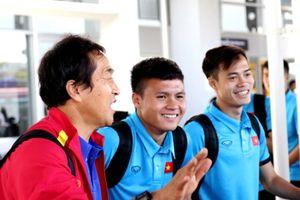 ĐT Việt Nam nhận món quà 'đặc biệt' khi vừa đặt chân đến Lào