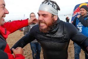 Người đàn ông bơi vòng quanh nước Anh trong suốt 5 tháng