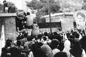 Biến cố bắt con tin 1979 khiến Iran và Mỹ đối đầu triền miên