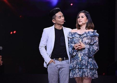 Chuyện showbiz: Khánh Thi bật khóc khi nói về 'sóng gió' với chồng trẻ