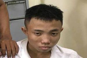 Nam thanh niên đạp ngã, khống chế 2 tên cướp điện thoại ở TP.HCM