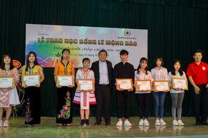 Trao tặng hơn 1,5 tỷ đồng học bổng Lê Mộng Đào