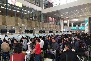 Định mang lậu 10 kiện mỹ phẩm Hàn Quốc, hành khách bị từ chối bay