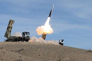 Iran khoe cơ bắp quân sự đáp trả trừng phạt của Mỹ