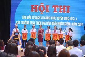 Học sinh Hà Nội hào hứng thi 'Tìm hiểu dịch vụ công trực tuyến'
