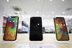 Apple bất ngờ hủy nhiều dây chuyền sản xuất iPhone XR