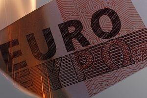 Ngoại trưởng Lavrov: Cấm vận Nga theo lời Mỹ, Châu Âu thiệt hàng tỉ euro