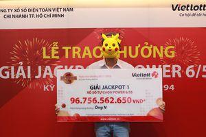 Trao giải Jackpot 97 tỷ đồng cho khách hàng ở Thành phố Hồ Chí Minh
