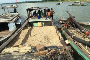Điện Bàn (Quảng Nam): Mạnh tay dẹp nạn 'cát tặc' trên sông Thu Bồn