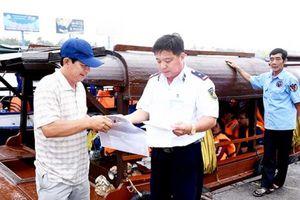 Giữ gìn an toàn giao thông tại cảng, bến thủy nội địa