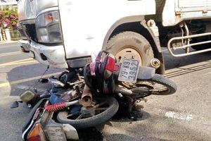 Ô tô tải tông 3 xe máy, 1 người tử nạn