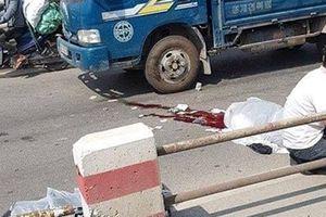 Tự tông dải phân cách trên cầu Thanh Trì, 2 người thương vong