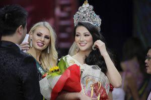 Hoa hậu Phương Khánh dính lùm xùm khi vừa giành vương miện Miss Earth