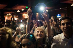 Không khí 'căng như dây đàn' trước bầu cử giữa nhiệm kỳ ở Mỹ