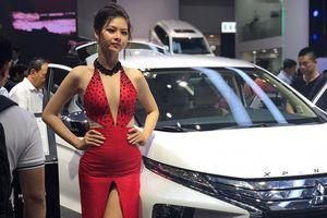Hút khách cuối năm, nhiều ô tô giảm giá gần 100 triệu đồng