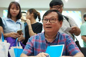 Nguyễn Nhật Ánh xung phong đóng nam chính 'Mắt biếc' của Victor Vũ
