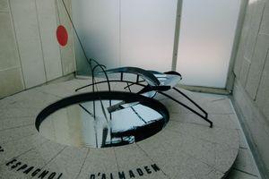 Đài phun đáng sợ nhất thế giới làm từ thủy ngân
