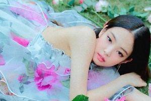 Jennie (Black Pink) mặc váy gần 10.000 USD quảng bá ca khúc mới