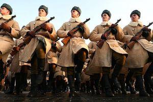 Video Nga tái hiện cuộc duyệt binh huyền thoại trên Quảng trường Đỏ