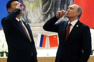 Nga -Trung gần nhau trong chiến tranh thương mại