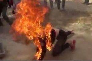 Chồng đổ xăng đốt vợ vì níu kéo hôn nhân bất thành
