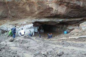 Sập mỏ vàng ở Hòa Bình: 4 ngày chưa tìm thấy 2 người mắc kẹt
