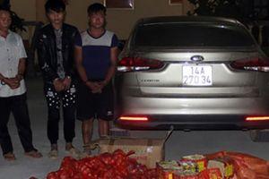 Quảng Ninh: Tóm gọn 3 đối tượng đang vận chuyển pháo bằng ôtô